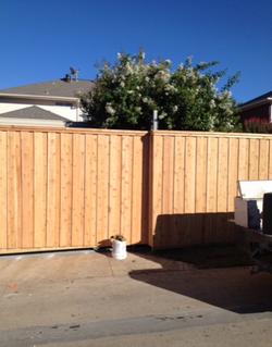 Fence w/Trim & Sliding Gate