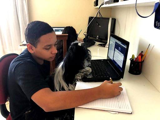Escola Mais: experiência com recursos tecnológicos tem sido fundamental durante a quarentena