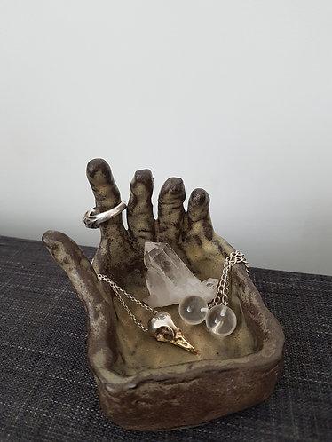 V O L totem jewellery holder