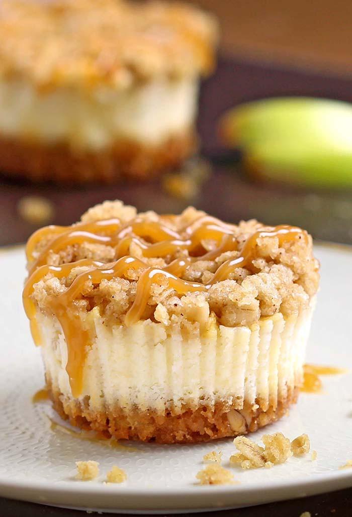 Mini apple cheesecake, apple dessert, finger foods, cheesecake, fall foods
