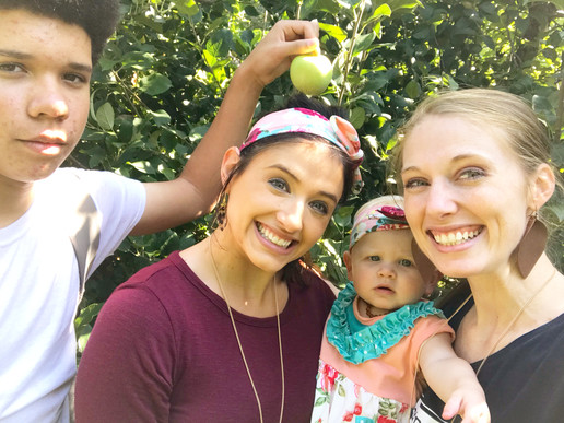 Family Day Trip: Apple Picking