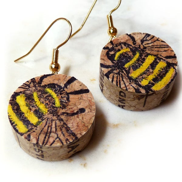 bee earrings, wine, cork, diffuser earrings, diffuser jewelry