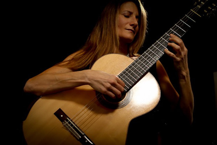 Samantha Wells Classical Guitarist
