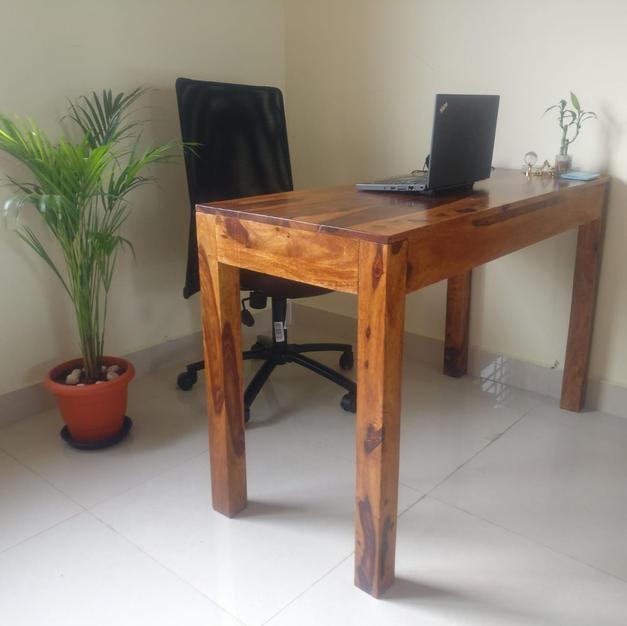 Bobby Study Desk