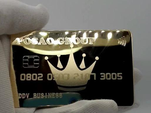 Банковская карта из настоящего золота