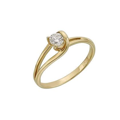 Кольцо из желтого золота с бриллиантом.