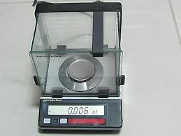 Весы измеряют массу до третьего знака после запятой.