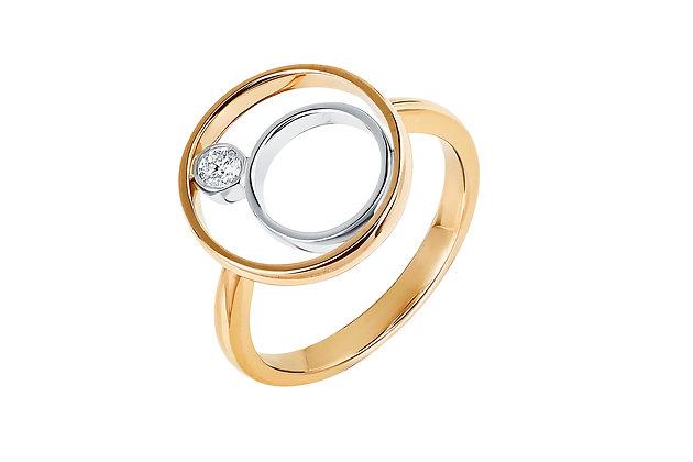 Модное кольцо с бриллиантом