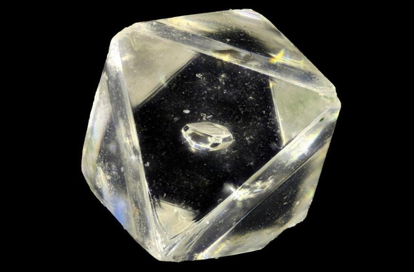 алмаз в алмазе
