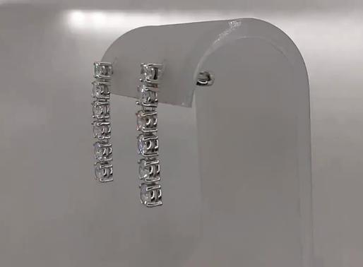 Висячие серьги пусеты с бриллиантами