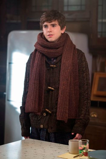 "BATES MOTEL -- ""Unfaithful"" Episode 408 -- Pictured: Freddie Highmore as Norman Bates -- (Photo by: Cate Cameron/Universal Television)"