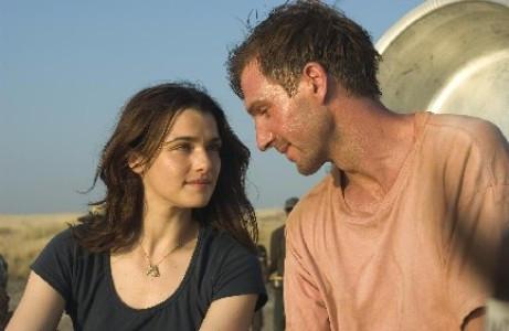 """Ralph Fiennes and Rachel Weisz in """"The Constant Gardener."""""""