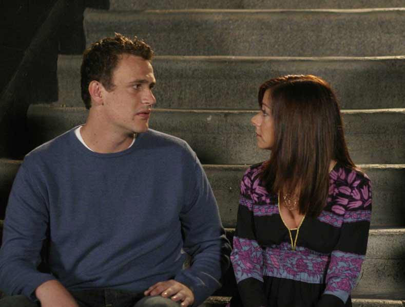 "Jason Segel and Alyson Hannigan in ""How I Met Your Mother"""