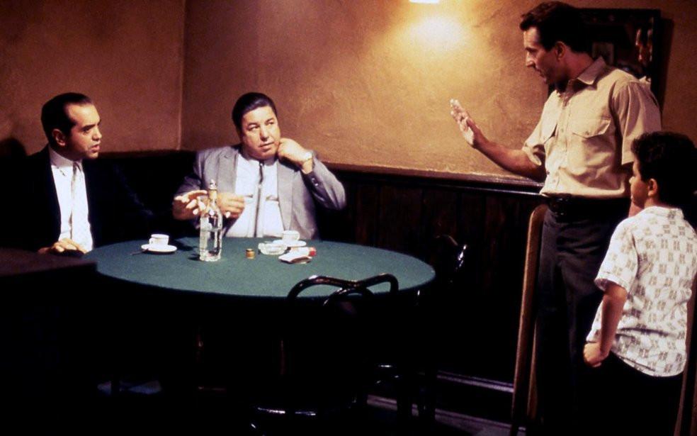 Chazz Palminteri, Robert De Niro and Francis Capra star in A Bronx Tale (1993)