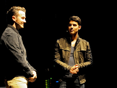 Off the Record with Kevin and Joe Jonas – Keswick Theater – Glenside, PA – June 7, 2014 (A PopEntert