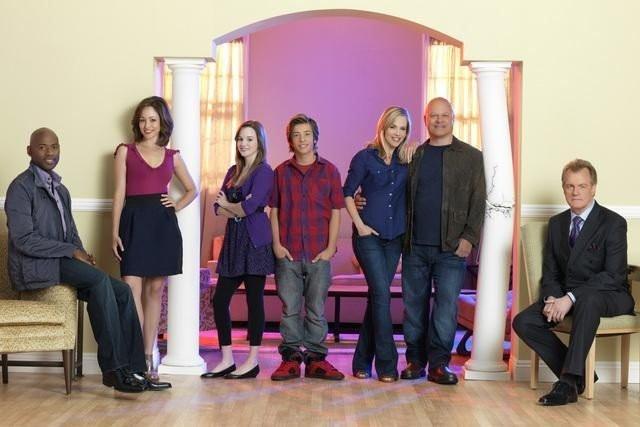 "The Cast of ""No Ordinary Family"""