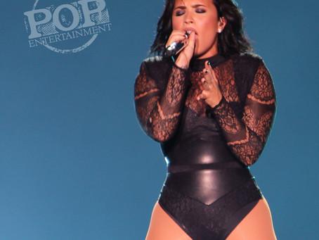 Demi Lovato and Nick Jonas – Hersheypark Stadium – Hershey, PA – July 16, 2016 (A PopEntertainment.c