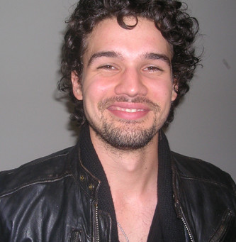Steven Strait – An Actor Travels to Civilization in 10,000 BC