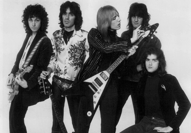 Tom_Petty_and_the_Heartbreakers_1977_a