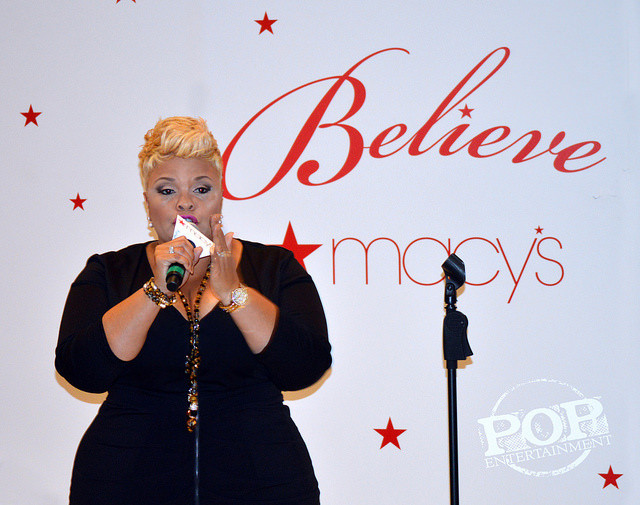 Tamela Mann performing at Macy's November 18, 2016.