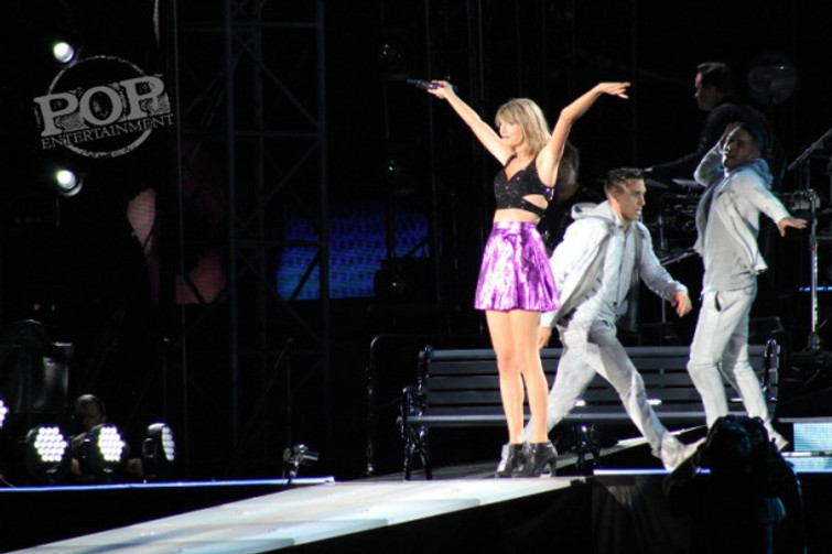 Taylor Swift at Lincoln Financial Field.