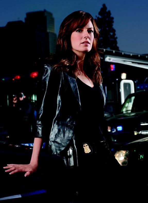 Rosemarie DeWitt stars in Standoff.
