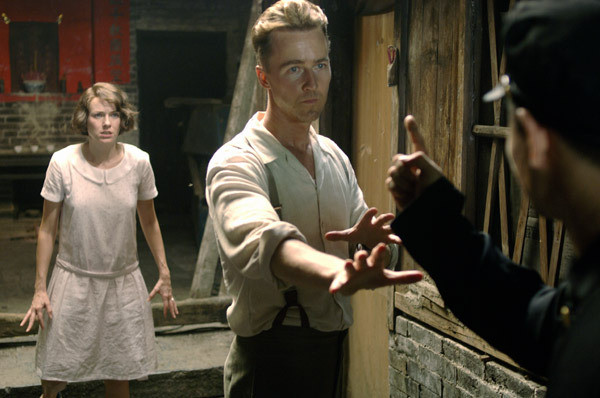 """Naomi Watts and Edward Norton in """"The Painted Veil."""""""
