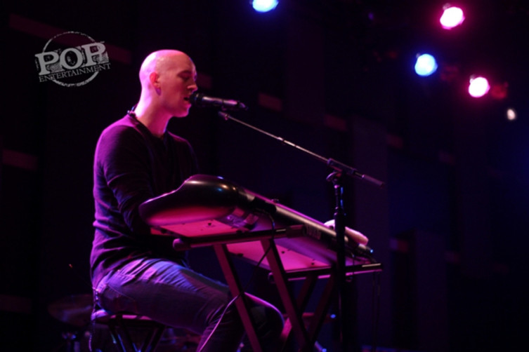 Tyrone Wells plays at World Cafe Live, Philadelphia, on 5/2/15. Photo  © 2015 Adam MacDonald. All rights reserved.