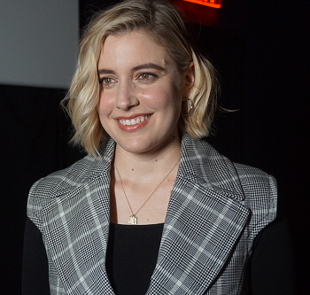 Greta Gerwig Makes Little Women with Big Characters and Award Ambitions