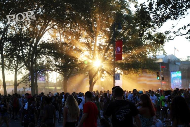 Made in America Festival on the Benjamin Franklin Parkway in Philadelphia, PA September 5 & 6, 2015.  Photo copyright ©2015 Shana Bergmann.