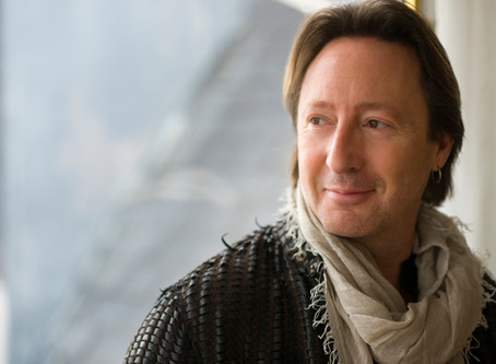 Julian Lennon – Everything Changes For the Better