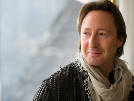 Julian Lennon – Everything Changes For the Better