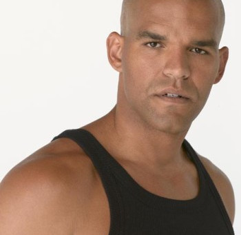 Amaury Nolasco – Breaking Out