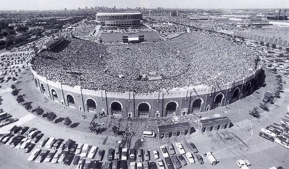 Yes at JFK Stadium 1976