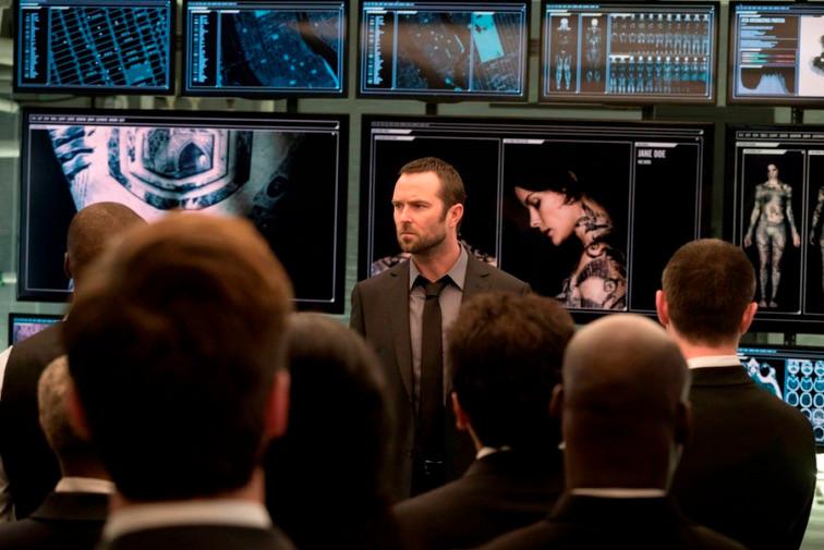 "BLINDSPOT -- ""Pilot"" --  Pictured: Sullivan Stapleton as Kurt Weller -- (Photo by: Virginia Sherwood/NBC)"