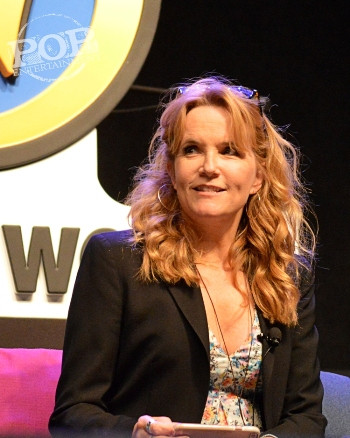 Lea Thompson talks Back to the Future at Wizard World Philly 2016 - Photo by Debbie Wagner.