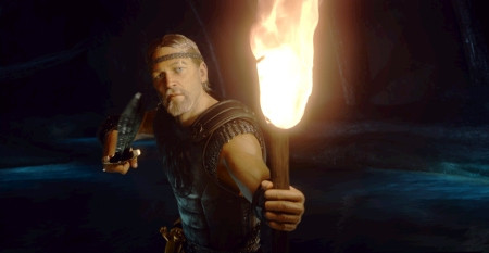 """Ray Winstone in """"Beowulf."""""""