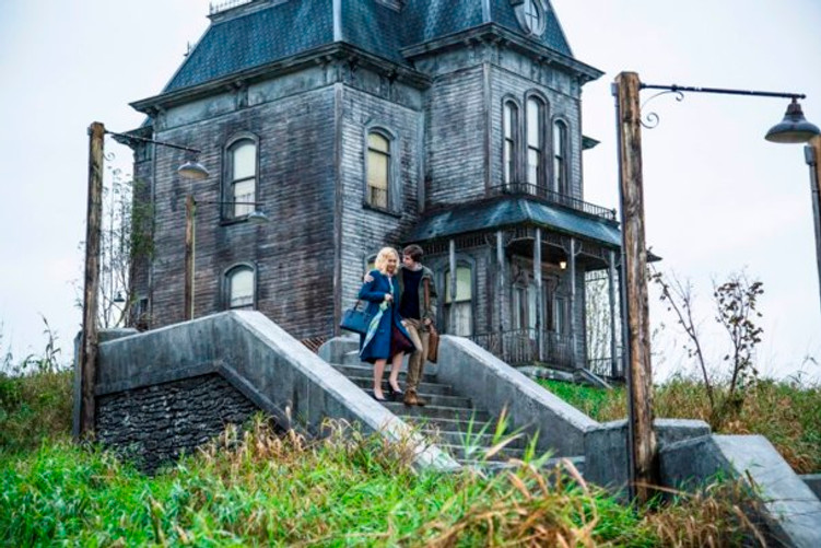 Freddie Highmore & Vera Farmiga star in Bates Motel