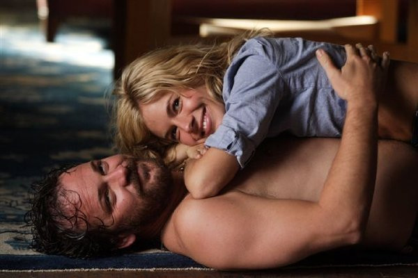 "Peter Sarsgaard and Sienna Miller in ""The Mysteries of Pittsburgh."""