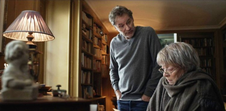 """Kevin Kline and Dame Maggie Smith star in """"My Old Lady."""""""