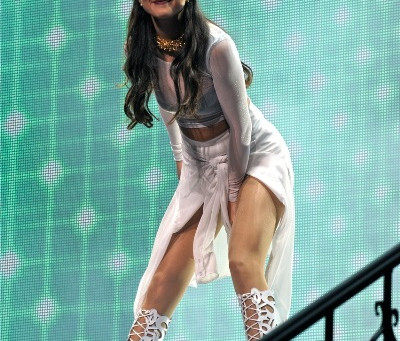 Selena Gomez and Emblem3 – Wells Fargo Center – Philadelphia, PA – October 18, 201