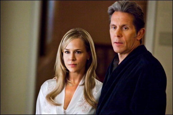 """Julie Benz and Gary Cole in """"Ricochet."""""""