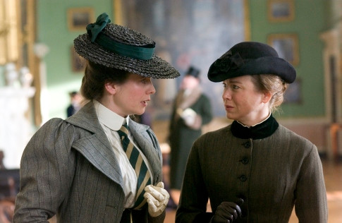 Emily Watson and Renee Zellweger star in MISS POTTER.