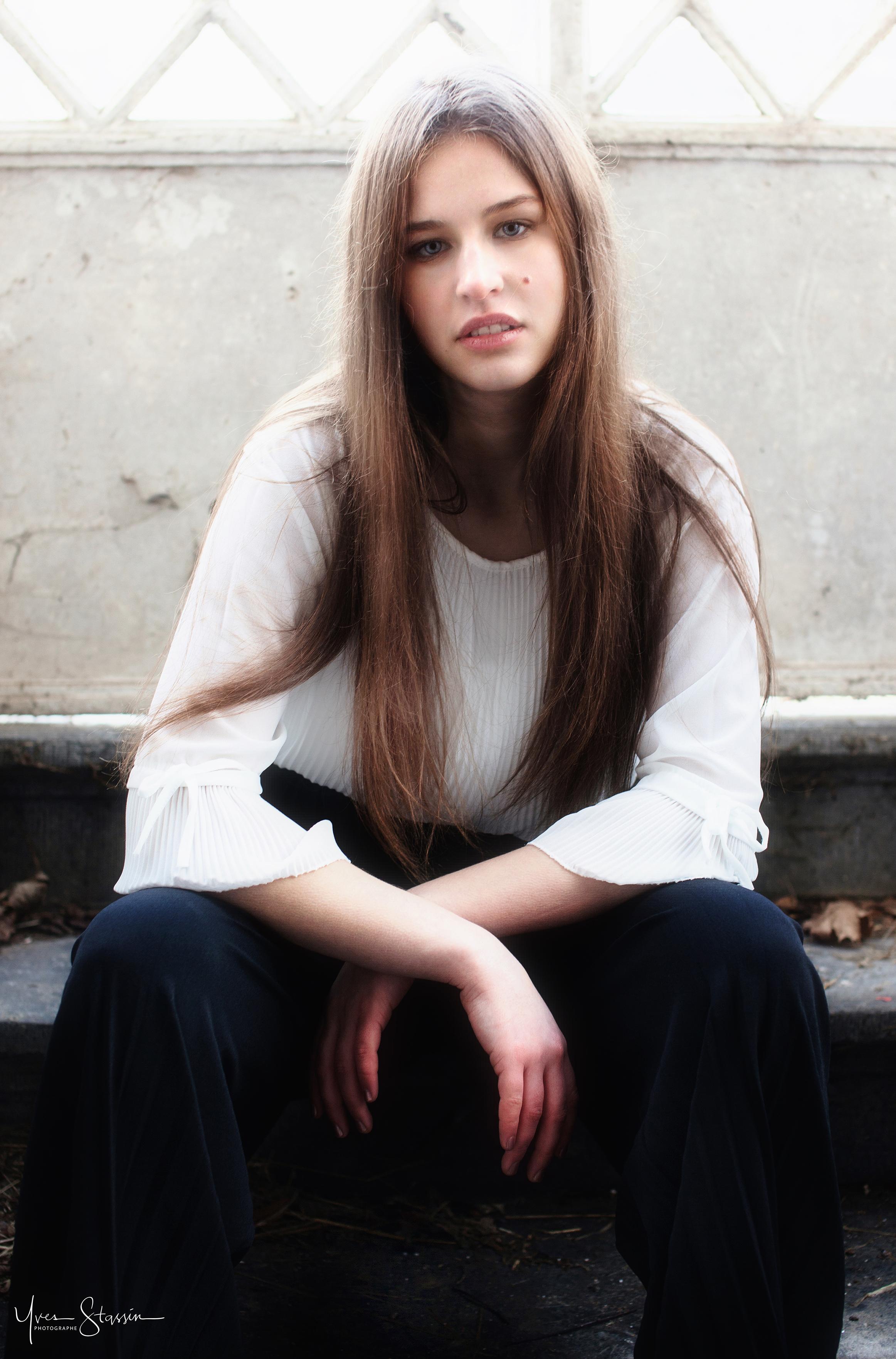 Emelyne Vancrusten Par Yves Stassin Agen