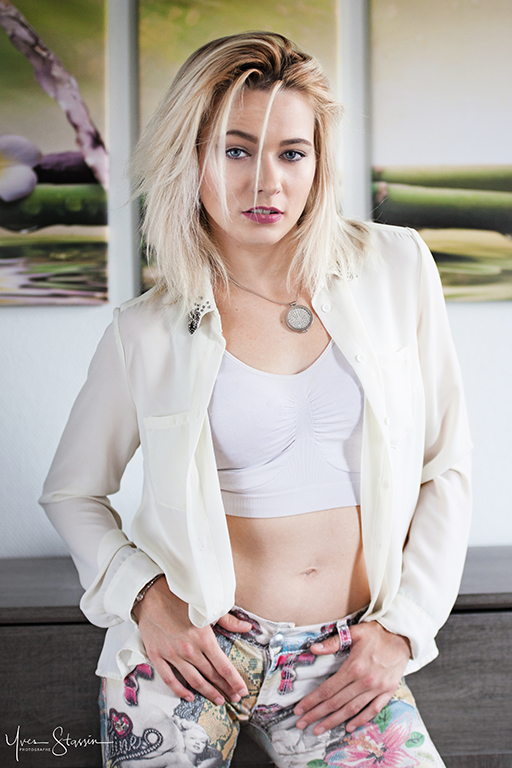 Ashley par Yves Stassin