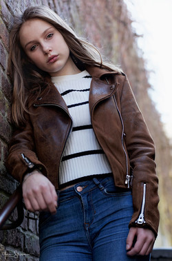 Lucie Denil par Yves Stassin