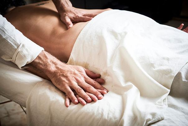 טיפול איורוודי - עיסוי | VEDA | איורוודה | רועי רייפלד