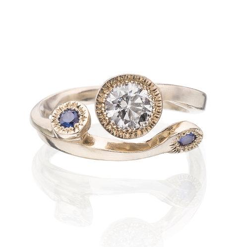 14k Gold Golden Flower Ring w/Diamond and sapphire