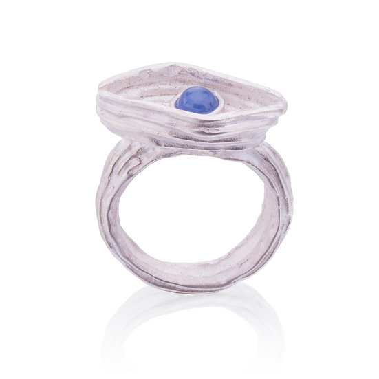 Blue Eye Ring w/ Sapphire Cabochon