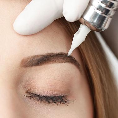 Eyebrows%20Makeup_edited.jpg